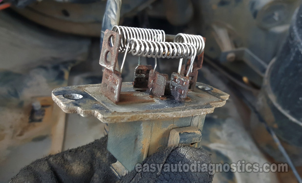 Part 1 How To Test The Blower Resistor 1998 2000 2 5l Ford